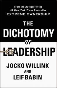 "Libro ""The Dichotomy of Leadership"""