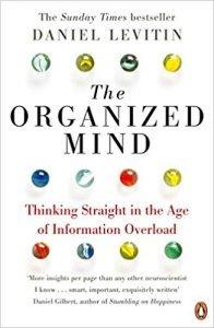 """The Organized Mind"" de Daniel Levitin"